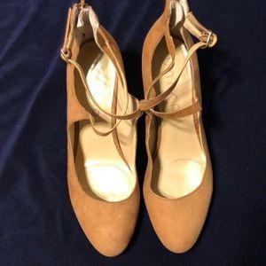 Unisa women shoes size 9.5